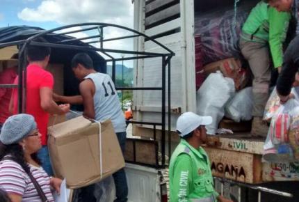 Se asiste con alimentos a familias desplazadas de Chenalhó
