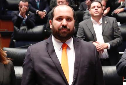 Fallece el comisionado del INAI Carlos Bonnin