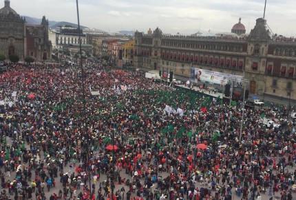 Llegan miles de campesinos al Zócalo; conmemoran Plan de Ayala