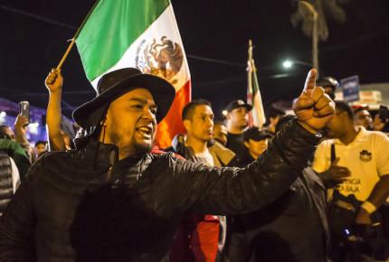 """""""Haz patria y mata un hondureño"""": surgen en TJ grupos antimigrantes"""