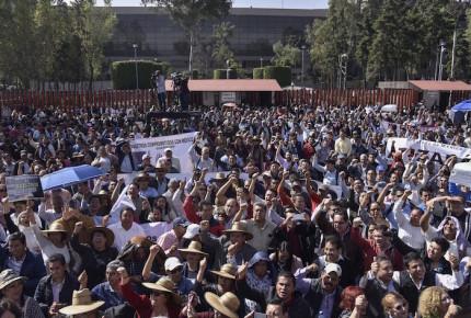 Sección 22 del SNTE exige se duplique el salario de maestros en Oaxaca