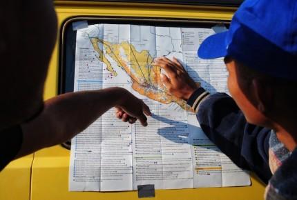 Contingentes migrantes parten de Querétaro rumbo a Irapuato