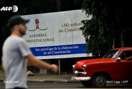Cuba saca matrimonio gay de su nueva Constitución