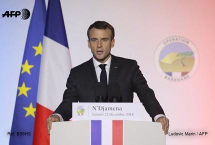 Macron critica a Trump por retiro de Siria
