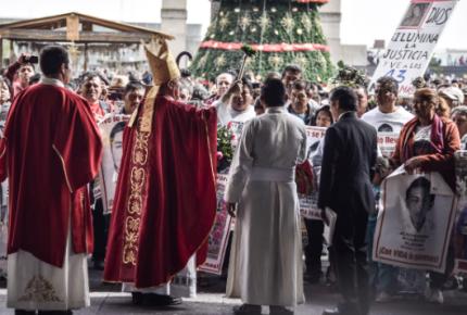 Con misa en la Basílica piden por los 43 de Ayotzinapa a 51 meses