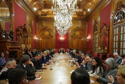 Gobernadores hacen las paces con AMLO; superdelegados fuera de la seguridad