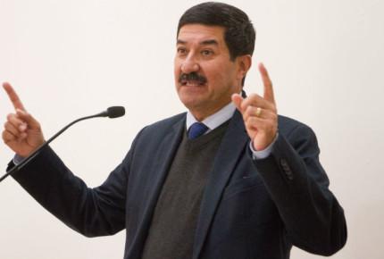 Corral acusa corrupción y mala gestión de presas en Conagua