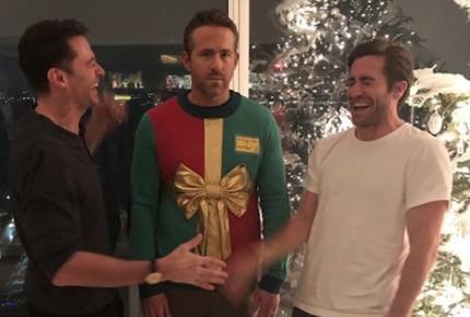 Ryan Reynolds recibe la navidad con broma de sus amigos