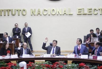 INE aprueba nuevo modelo de credencial para votar con QR