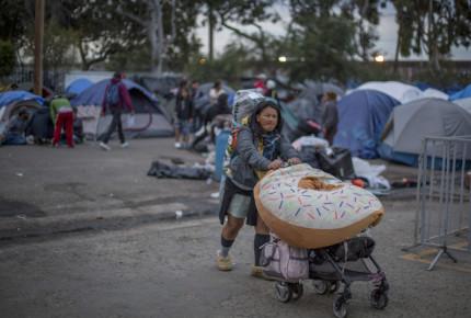Desalojo de migrantes deja 24 detenidos en Tijuana