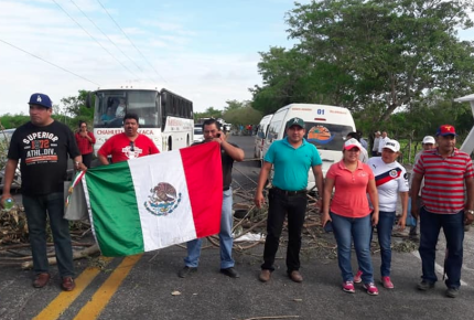 Extienden bloqueos en Tabasco a carreteras por falta de pagos