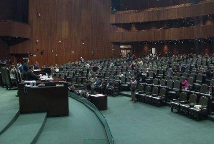 Diputados avalan quitarle fuero al Presidente