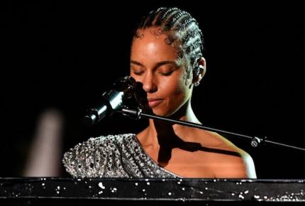 """¡Esta noche es por Kobe!"", Grammy se rinde a memoria de Kobe Bryant"