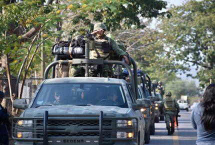 Acuerdo sobre Fuerzas Armadas, delimita su actuación: Monreal