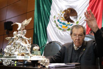 Busca Muñoz Ledo embargo de armas en el país