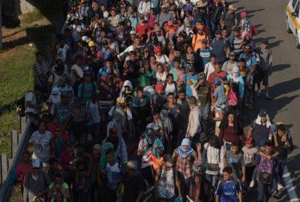 Sale de Honduras nueva caravana migrante