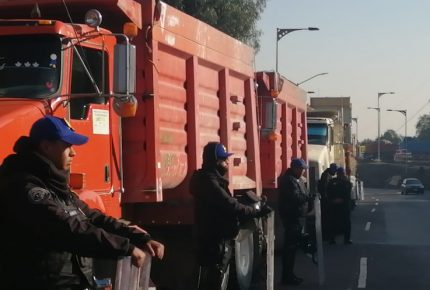 Transportistas inician paro de labores en terminal portuaria de Manzanillo