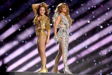 Shakira y JLo ponen a bailar a asistentes al SuperBowl LIV