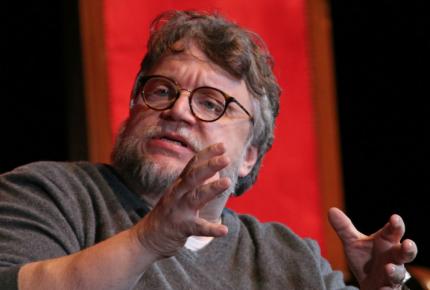 Guillermo del Toro se despide de Twitter... ¡Porque está filmando!