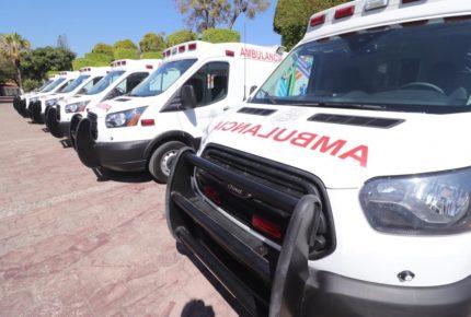 Astudillo hace entrega de 67 ambulancias en Guerrero