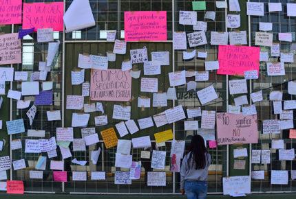 Destituyen a profesor de Prepa 1 de Toluca señalado por acoso