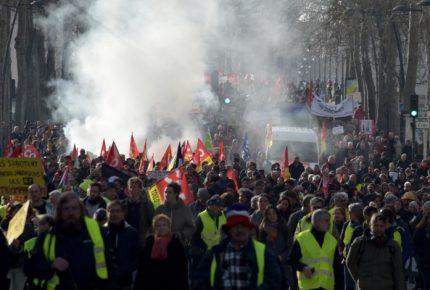 Huelga de transportistas arrolla el PIB de Francia