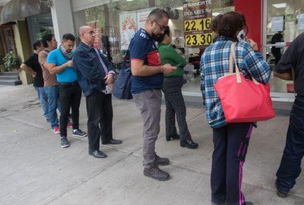 Moody's mantiene perspectiva negativa para los bancos de México