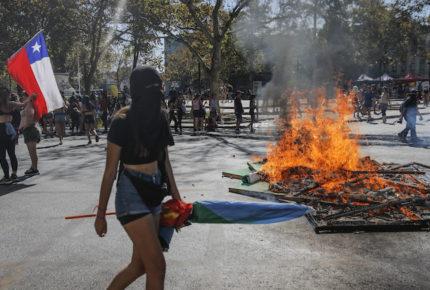 150 mil chilenas salen a las calles a protestar en el #8M