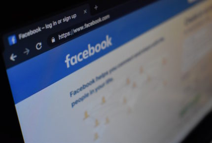 Facebook endurece medidas para combatir 'fake news' de Covid-19