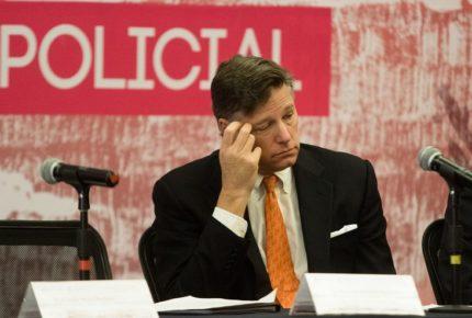 Landau pide a Calderón no inmiscuirse en la política de EU