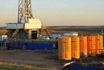 Petróleo se recupera y finaliza con ganancia de 22%
