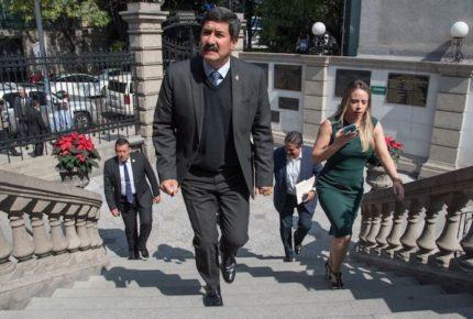 Corral y funcionarios de Chihuahua se reducen salario por Covid-19