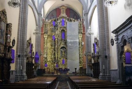 Virgen María y santas protestan por violencia de género