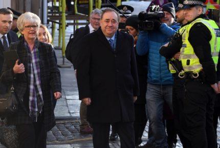 Inicia juicio contra exprimer ministro escocés por abuso sexual