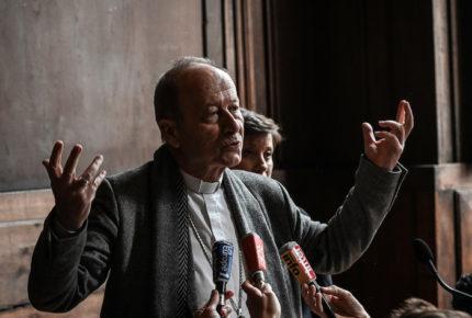 Papa acepta renuncia de arzobispo que calló ante abusos