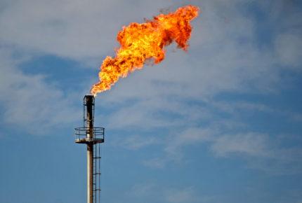 Petróleo cae ante el regreso de las tensiones entre EU y China