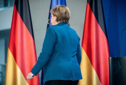 Merkel da negativo en un primera prueba de Covid-19