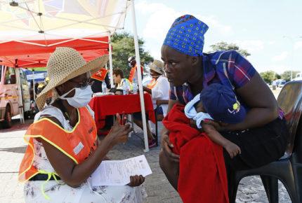 Critican propuesta de probar vacunas contra Covid-19 en África