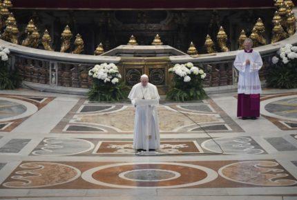 Un domingo de Pascua con un papa solo en el Vaticano