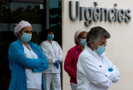 España reporta su menor número de muertos en un mes