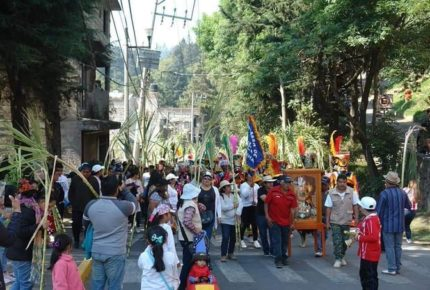 Habitantes de Cuajimalpa hacen fiesta religiosa a pesar del Covid-19
