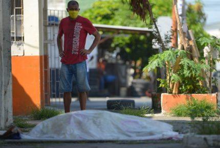 Muertes por Covid-19 en Guayaquil, un caos en las calles