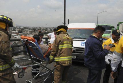 Accidente en calzada Ignacio Zaragoza deja 14 lesionados