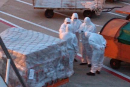 Hoy llegará nuevo cargamento de cubrebocas y mascarillas: Ebrard