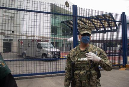 Ejército y Marina patrullan CDMX ante bajas de policías por Covid-19