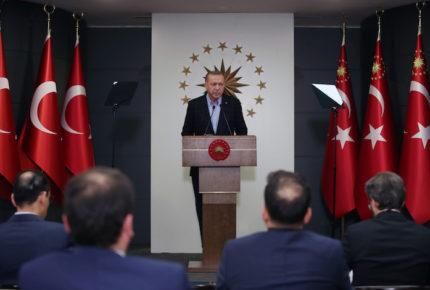Erdogan anuncia confinamiento obligatorio a menores de 20 años