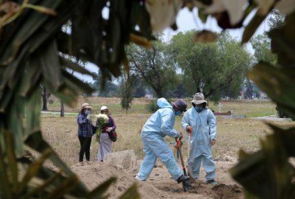 Se triplica escenario catastrófico de Gatell: México llega a 180 mil muertes