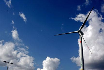 Cenace frena 17 proyectos de energía fotovoltaica y eólica