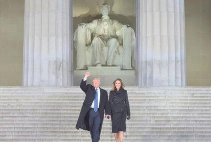 Trump relanza su campaña bajo la mirada de Lincoln