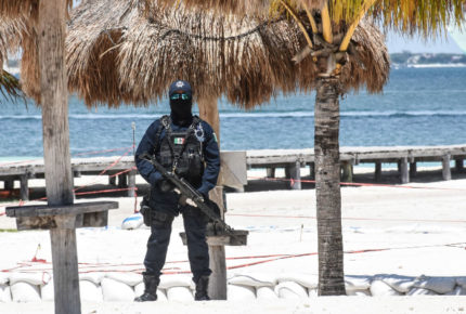 Ataque armado deja dos muertos y una herida en Cancún